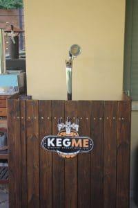 בר בירה מעוצב מעץ לאירועים פרטיים